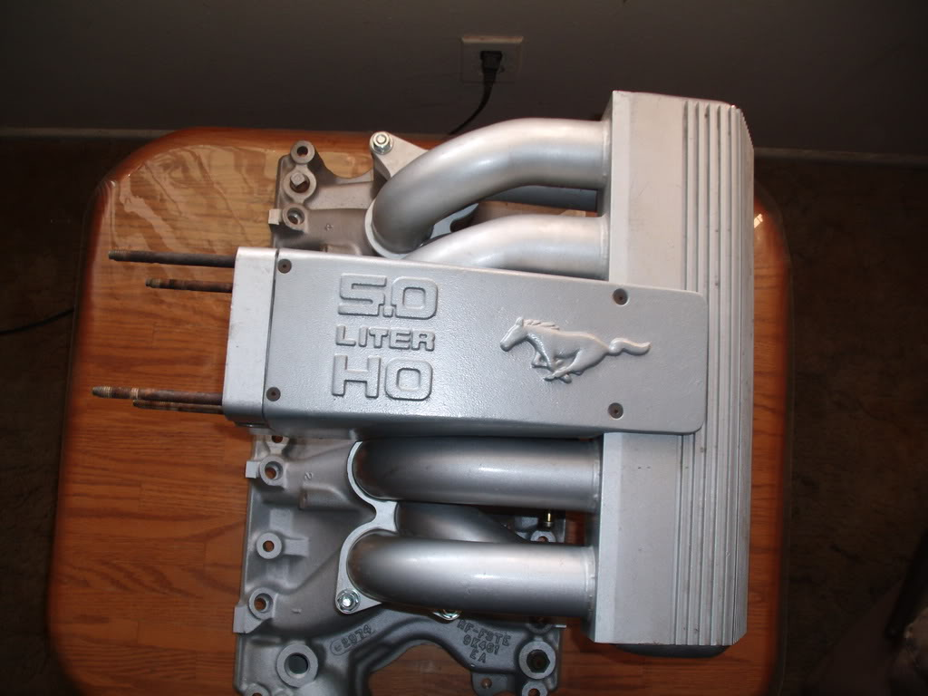 gt40intake1 how to upgrade your foxbody's intake manifold americanmuscle  at crackthecode.co