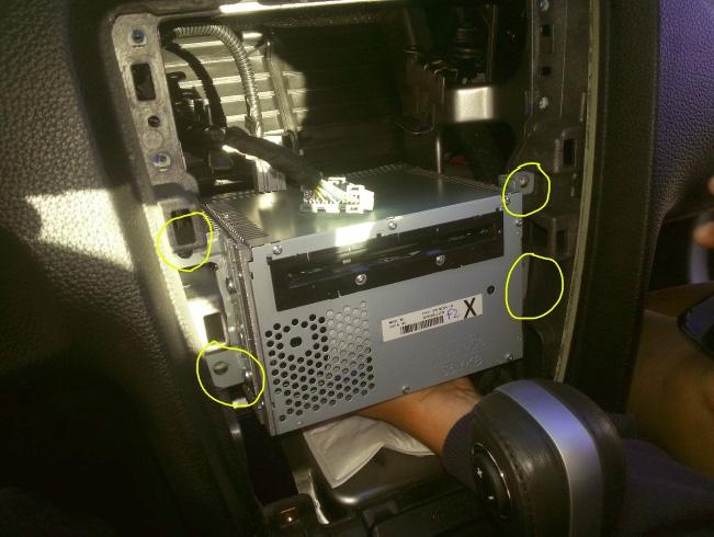 Raxiom OE Style GPS Navigation Installation 13