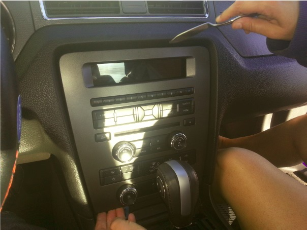 Raxiom OE Style GPS Navigation Installation 8