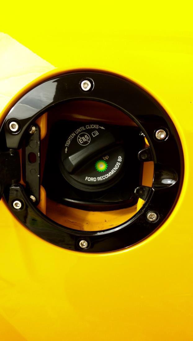 Black for Mustang 2005-2009 SpeedForm Bullitt Style Fuel Door