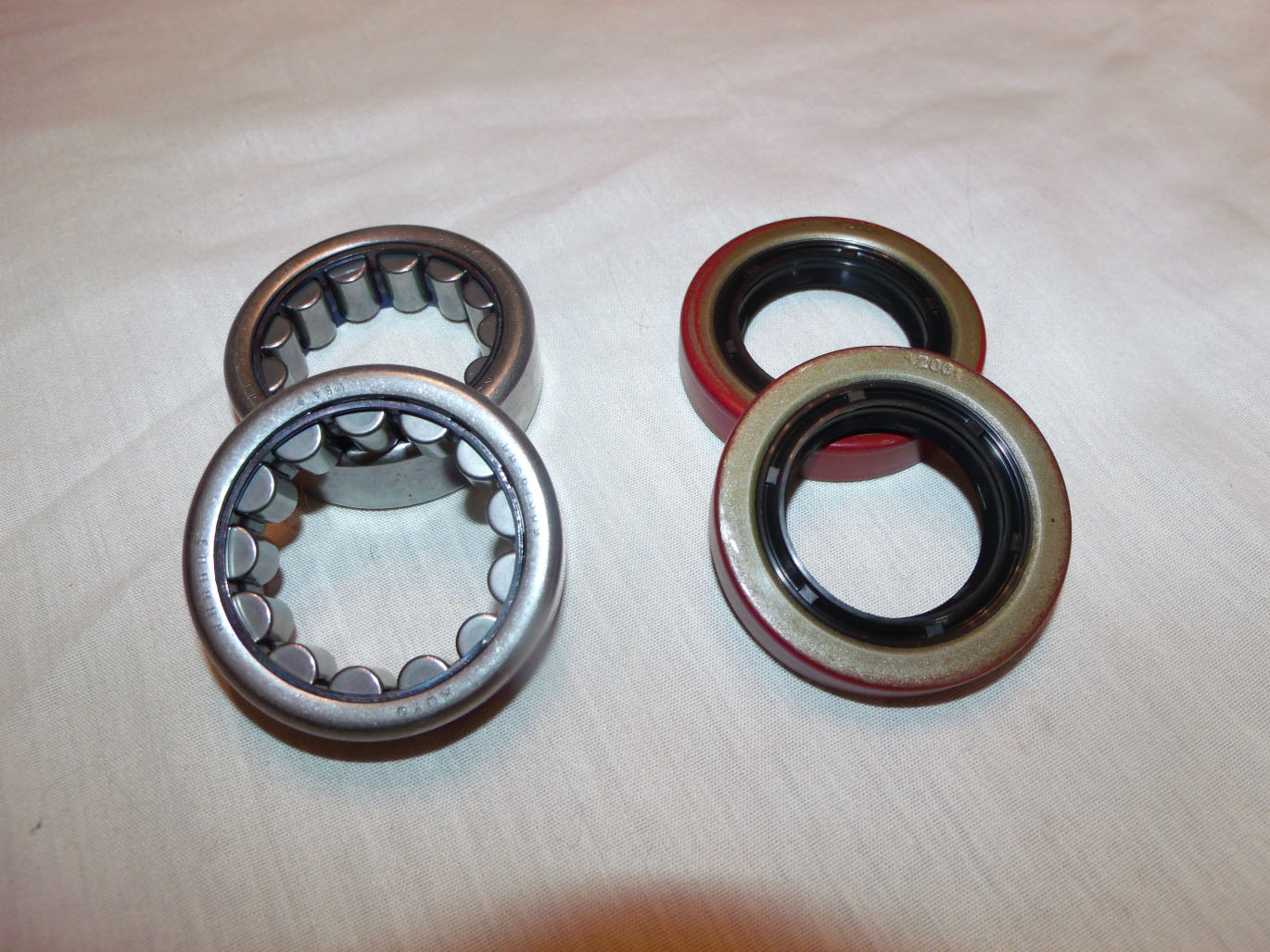 How to install a ford racing 8 8 rear axle bearing seal kit on your 1986 2004 mustang excludes ir