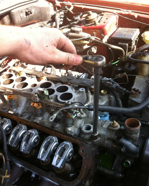 How to Install a Ford Racing Intake Manifold Gasket on Your 1979