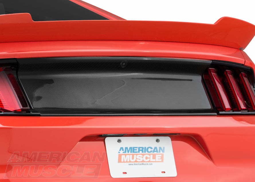 2015 Mustang with Carbon Fiber Decklid Panel