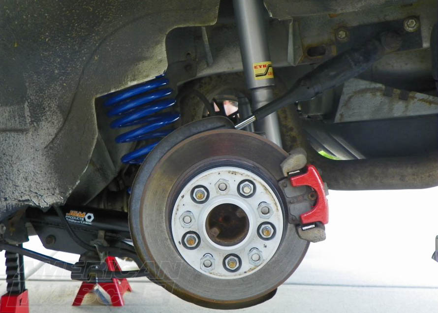 Setting Up Your Mustang's Suspension for Drag Racing vs