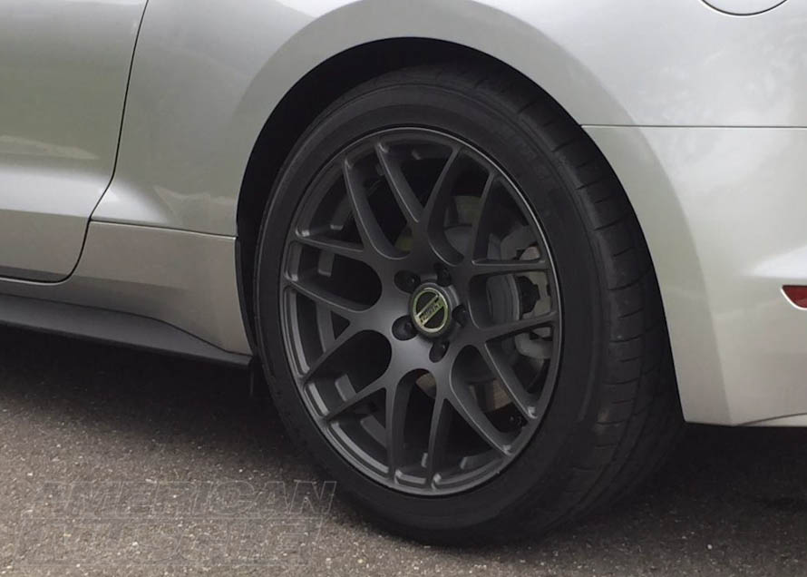 275/40R19 Sumitomo Tires on an S550 Mustang Rear