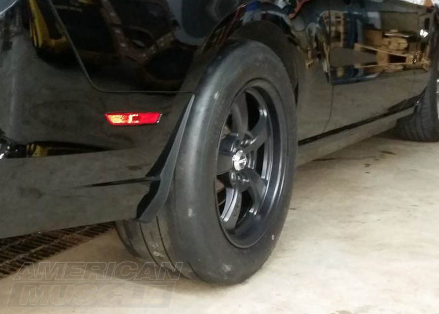 305/45R18 Mickey Thompson Street Tire on an S550 Mustang