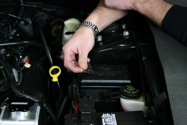 guide 14446 02 how to install a moroso fuse box cover on your 1998 2004 mustang