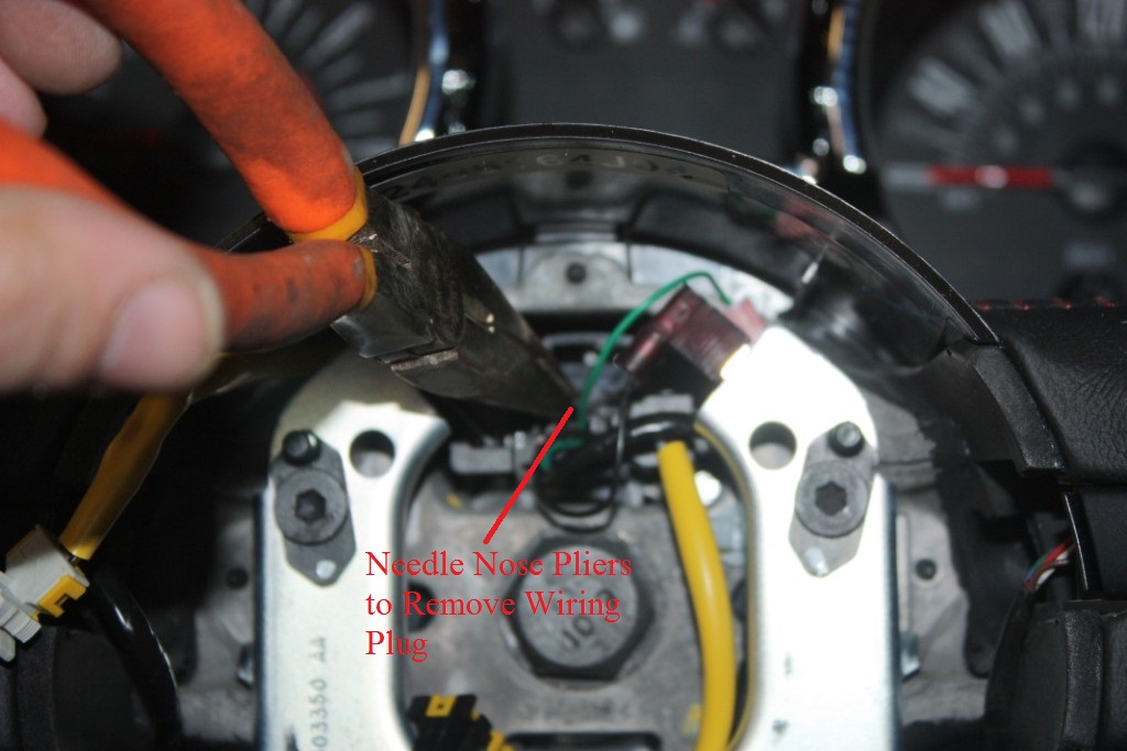 guide 50160 cust 06 how to install a ford racing gt500 steering wheel on your 2005 steering wheel wire harness at gsmx.co