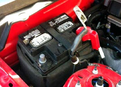 2 Disconnect The Throttle Position Sensor Tps From Penger Side Of Body By Sliding Red Clip Towards You