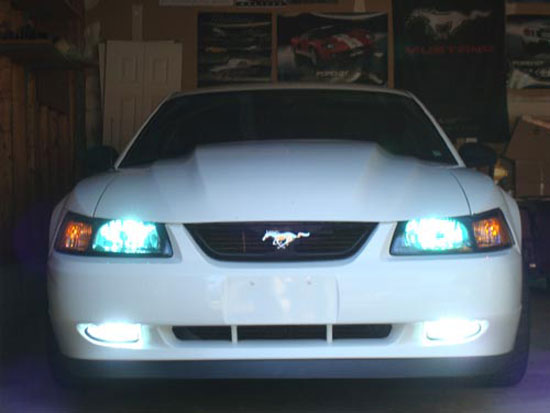 mustang fog lights 9904 12 mustang fog lights installation guide ('99 '04) americanmuscle 2003 mustang fog light wiring harness at gsmx.co